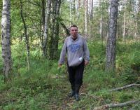Игорь добирался пешком по бурелому. В ужасе от кол-ва лосиной вши.
