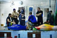 Открытый Чемпионат СПБ по фристайлу на гладкой воде в бассейнах 2014. Атлеты в ожидании стартов.