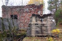 На фото: руины лесопильного завода