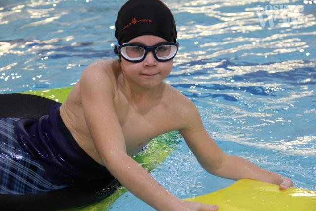 Детская группа в бассейне ДФК ПГУПС