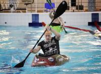 На фото: каякинг в бассейне ДФК ПГУПС