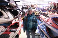 Поездка за каяками в Финляндию.По дороге на склад заехали в каякерский магазин.