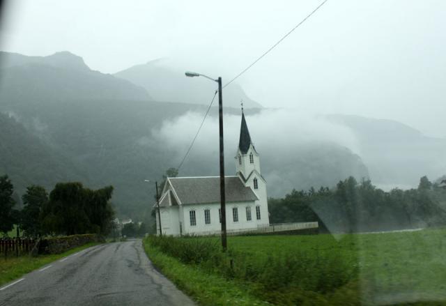 Выезд в Норвегию, 2013. Подъезжаем к фьордам.