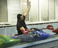 """ГК """"Каякер"""". Клубное первенство по фристайлу на гладкой воде. Алексей Кобленц готов ко второй попытке."""