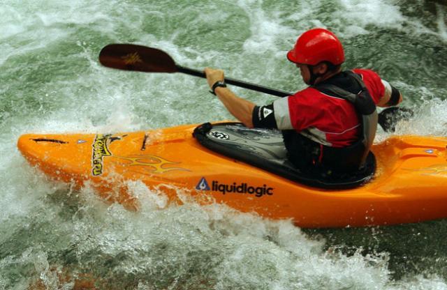 А. Козырев предпочитает магазин kayaker.ru(р. Белая, Гранитный)